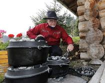 Cowboy-Essen mit dem DutchOven im Feriendorf.